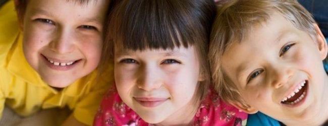 אדריאנה מחני: איך נוכל להפוך את ילדינו למאושרים