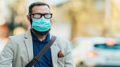 Photo of הפטנט הישראלי שמאפשר לרופאים בעולם לראות מבעד לאדים המצטברים בעדשות המשקפיים בשל ענידת המסיכה