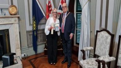 Photo of לראשונה בהיסטוריה זוכה ישראלית מקבלת את פרס יקירת העיר גיברלטר על פעילותה לחיבור עם ישראל